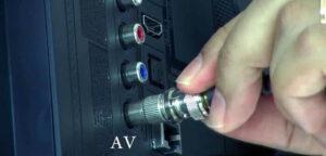 كيفية تشغيل كاميرات المراقبة على التلفزيون