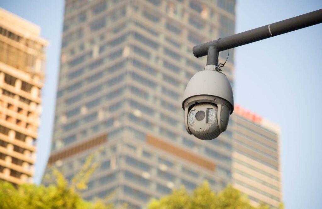 كاميرا مراقبة متحركة